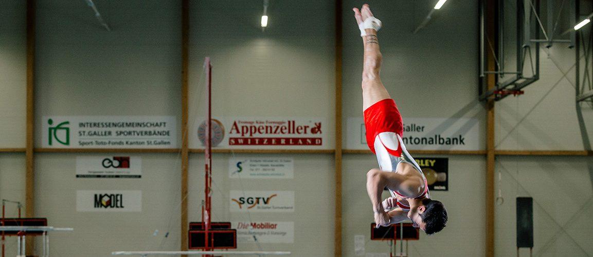 Pablo Brägger bei der Bodenübung